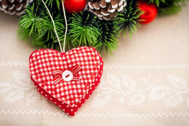 Coração artesanal para decoração de natal