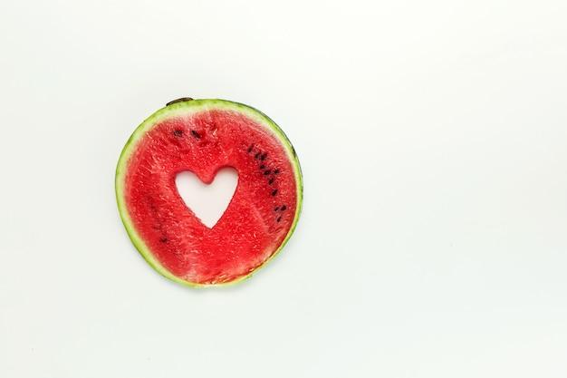 Coração de melancia isolado