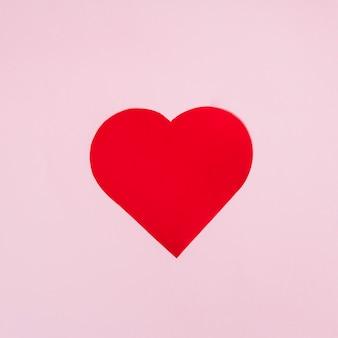 Coração de ornamento de papel vermelho grande