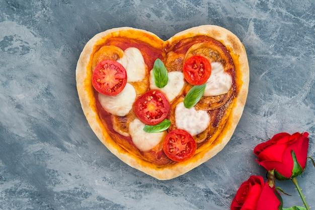 Coração de pizza para o dia dos namorados