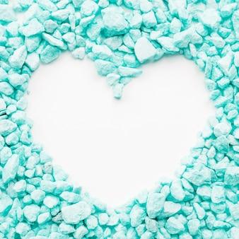 Coração em pedras turquesas