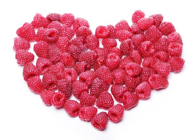 Coração feito de framboesas