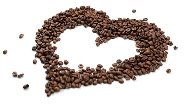 Coração feito de grãos de café.