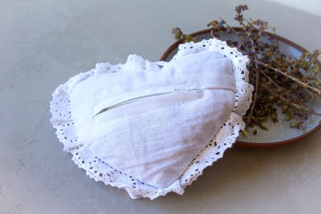Coração mole por placa com ervas