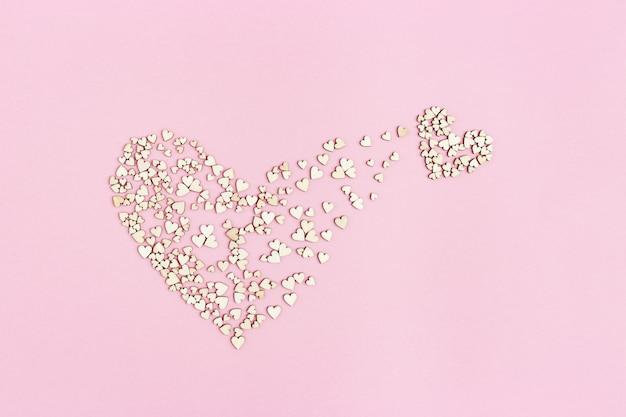 Coração pequeno emerge de um grande
