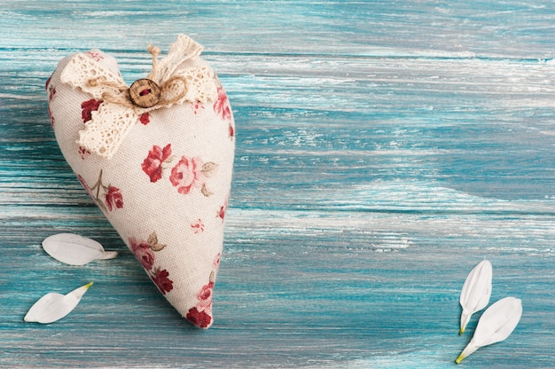 Coração romântico têxtil rústico