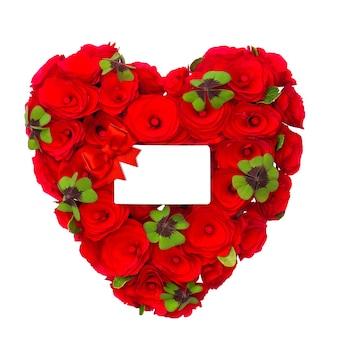 Coração vermelho de rosas com folhas de trevo e cartão branco para o seu texto sobre fundo branco. conceito boa sorte