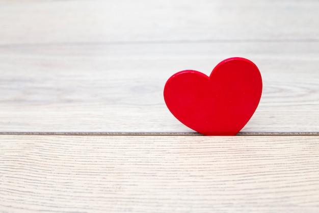 Coração vermelho, em, madeira, divisão
