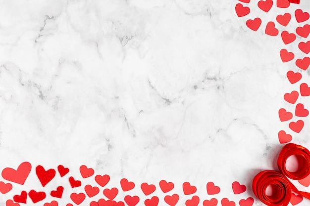 Corações adoráveis e espaço de cópia de fita