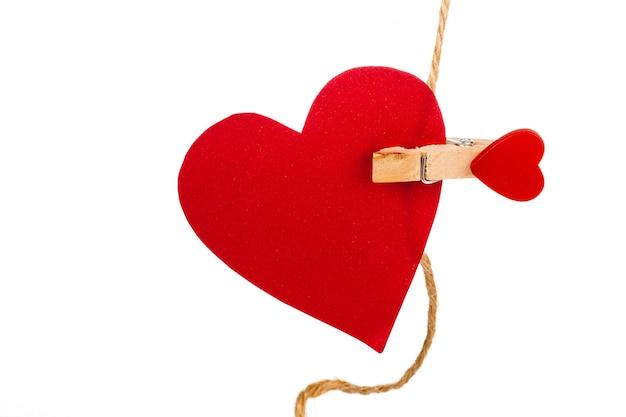 Corações de papel isolados