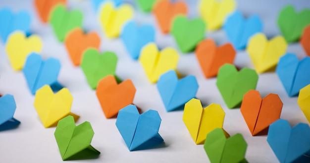 Corações de papel origami