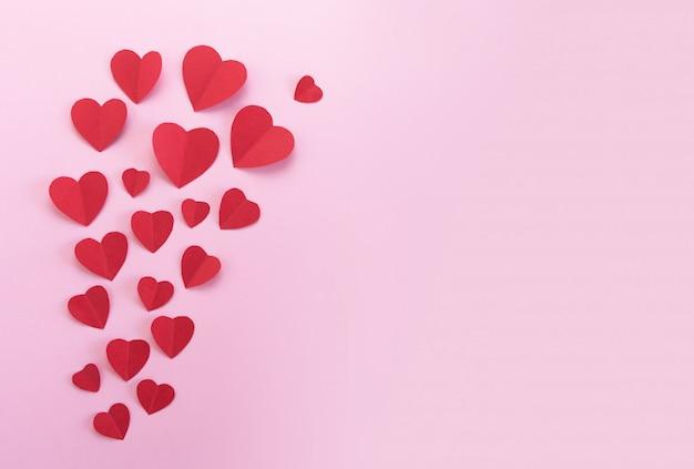 Corações de papel vermelho