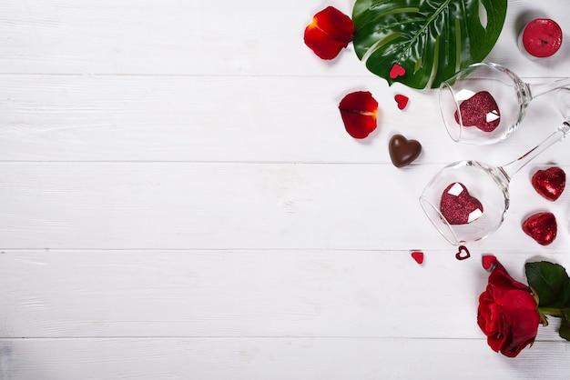 Corações e plantas com vidro