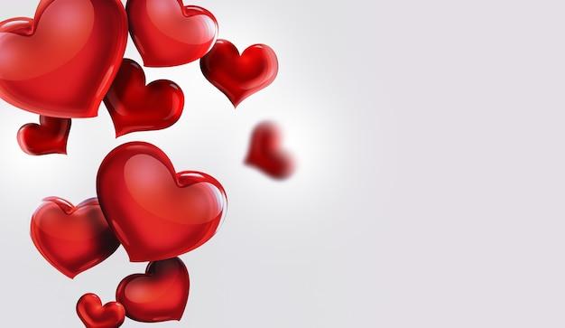 Corações vermelhos em design romântico de fundo claro
