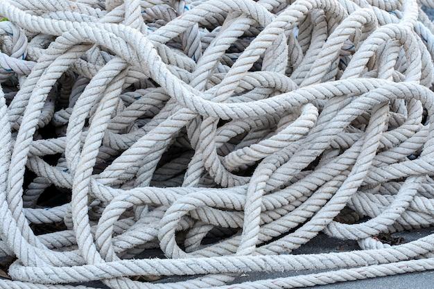 Corda de ancoragem no chão