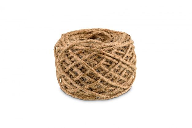 Corda de cânhamo enrolada é uma bola isolada
