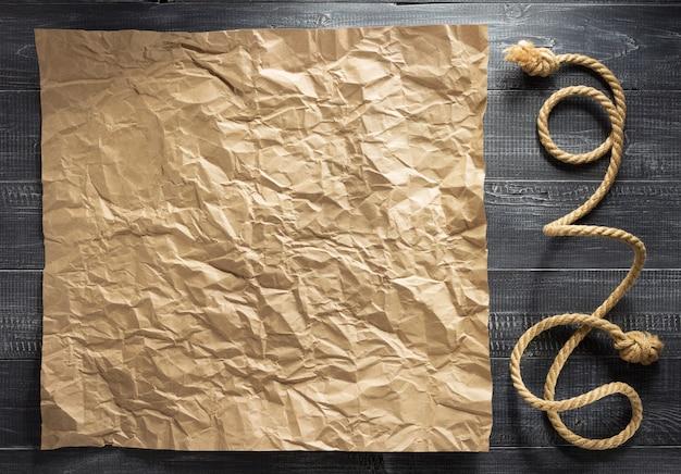 Corda de navio em textura de fundo de madeira