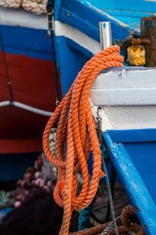 Corda laranja do barco