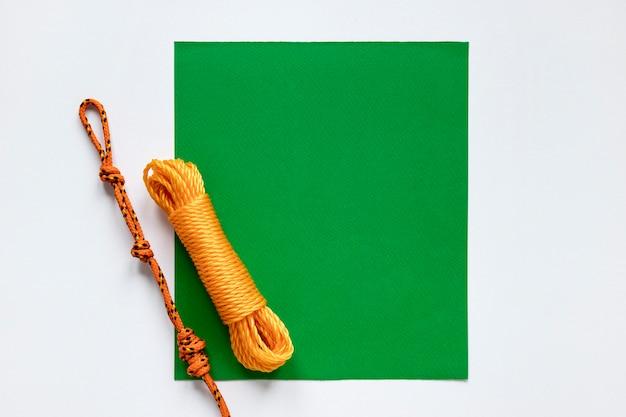 Corda náutica nós cartão verde cópia espaço