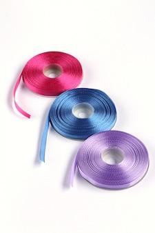 Cordão de cetim azul e roxo rosa
