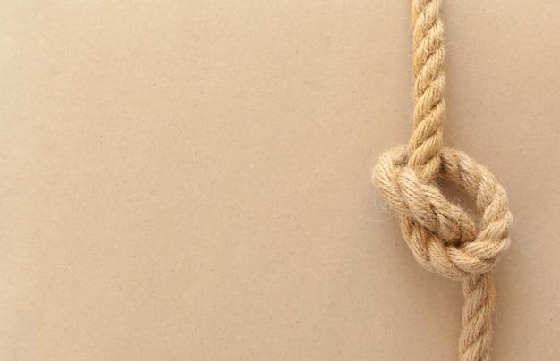 Cordas de navio com nó