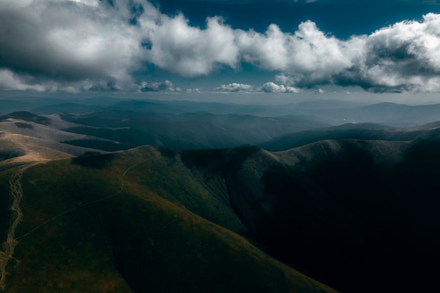 Cordilheira borzhavsky cárpatos ucrânia paisagem montanhosa