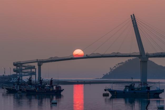Coreia do sul, anmyundo port de taean-gun, sun na ponte.