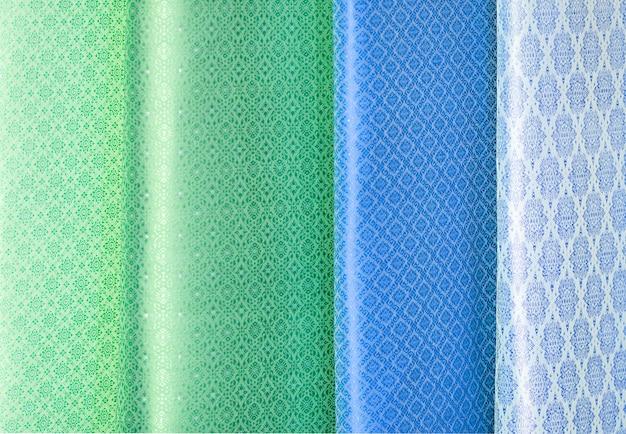 Cores de tom tons ornamentos padrões de têxteis de seda tailandesa