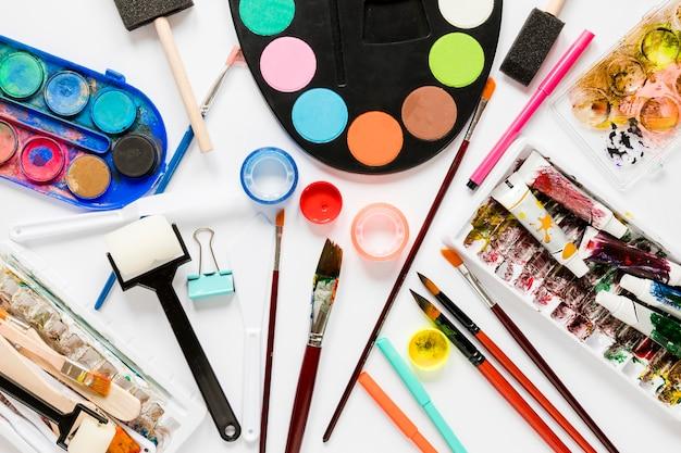 Cores e ferramentas para artista