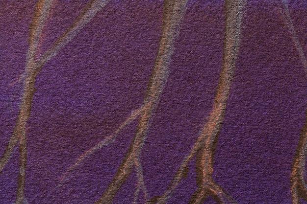 Cores roxas escuras do fundo da arte abstrata. pintura em aquarela com linhas marrons