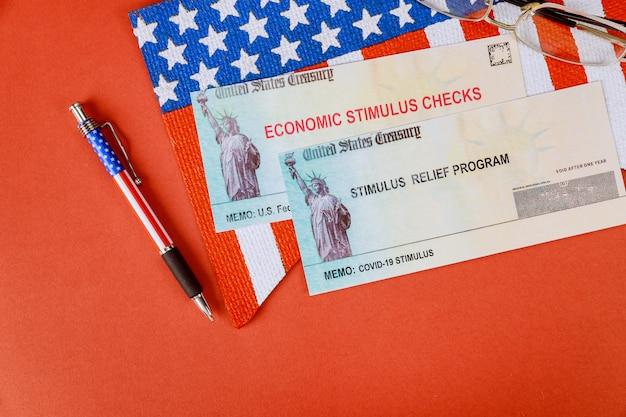Coronavírus de incentivo em dinheiro federal dos eua covid-19 no pacote de estímulo para bloqueio pandêmico global