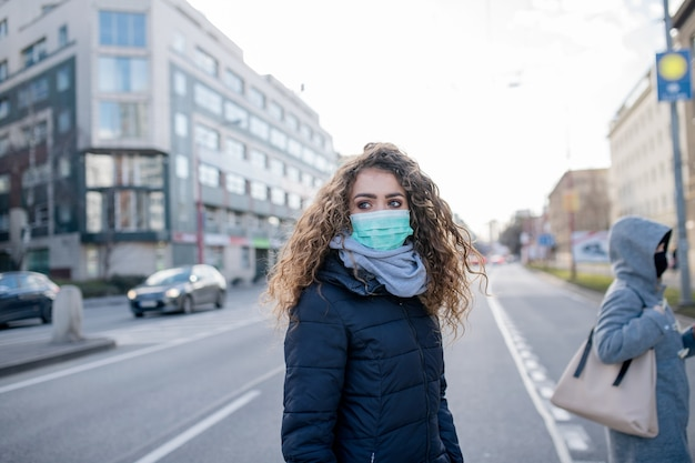 Coronavírus na cidade, um conceito de prevenção e proteção.