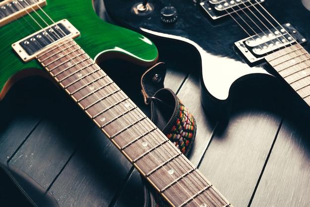 Corpo de guitarra elétrica e detalhe do pescoço