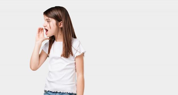 Corpo inteiro, menininha, gritando, zangado, expressão, de, loucura, e, mental, instabilidade, boca aberta, e, meio-aberto, olhos, loucura, conceito