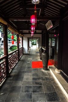 Corredor de um edifício chinês