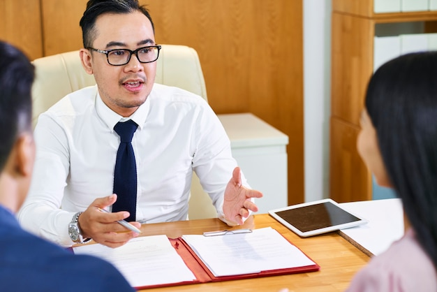 Corretor de imóveis consultoria casal