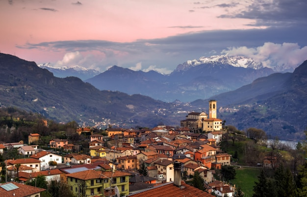 Corrido, itália