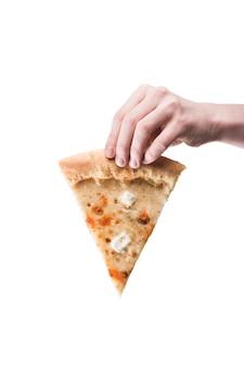 Cortar a mão com pizza