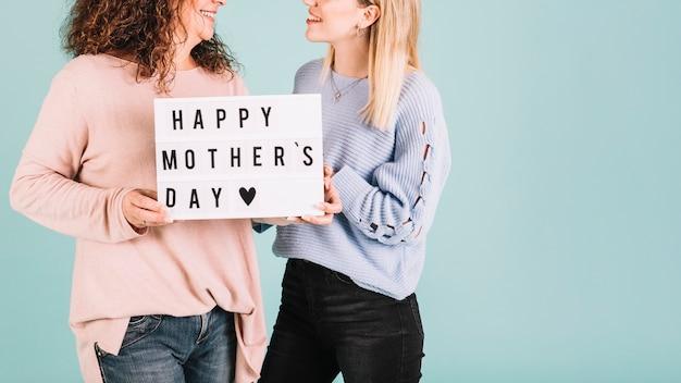 Cortar as mulheres com saudações do dia das mães