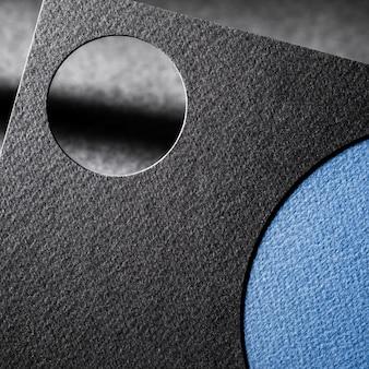 Corte a marca de close-up em papel texturizado