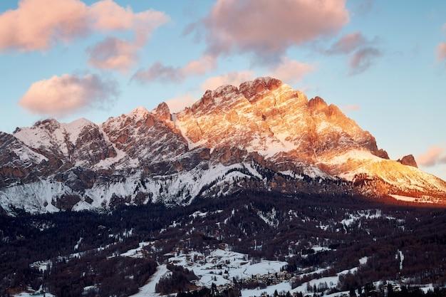 Cortina d'ampezzo montanhas