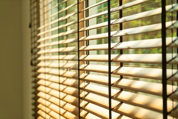 Cortina de bambu para close-up, cortina de bambu, pintinho, veneziana ou cortina de sol - ponto de foco suave