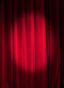 Cortina vermelha ideal para fundos e texturas