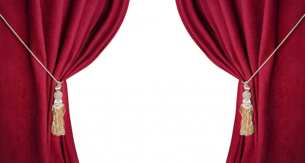 Cortinas vermelhas teatrais abertas