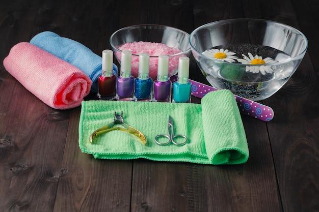 Cosméticos e acessórios para manicure ou pedicure