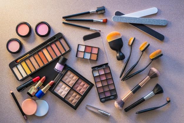 Cosméticos maquiagem batom sombras