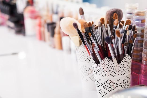 Cosméticos maquiagem, beleza e conceito frescura.