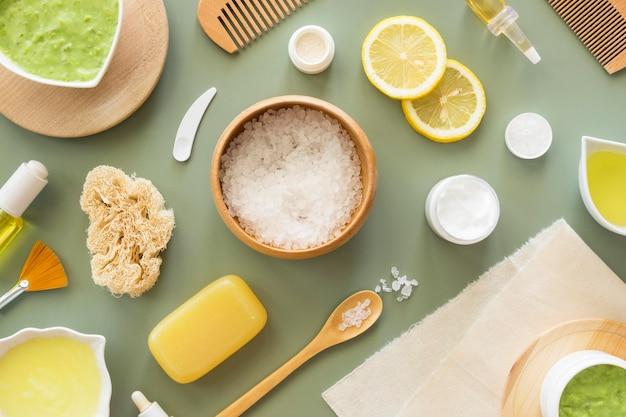 Cosméticos naturais de sal e cítricos para spa