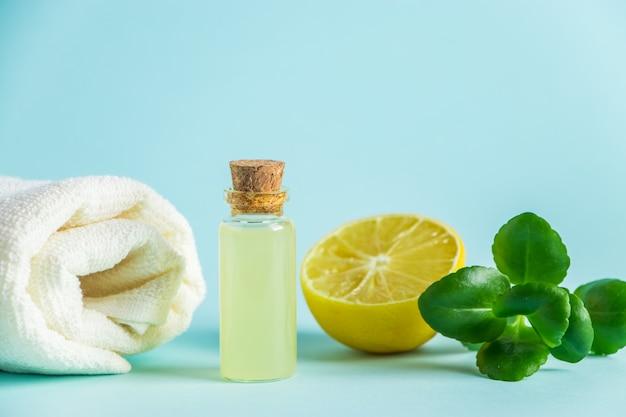 Cosméticos orgânicos com óleo de limão.