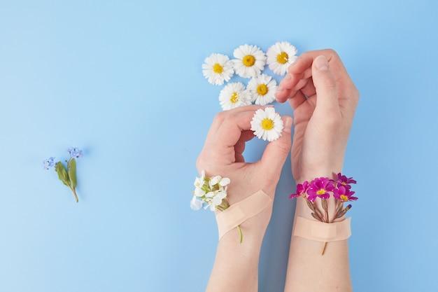 Cosméticos para as mãos com adesivos de flores e adesivos cosméticos para as mãos anti-rugas day spa